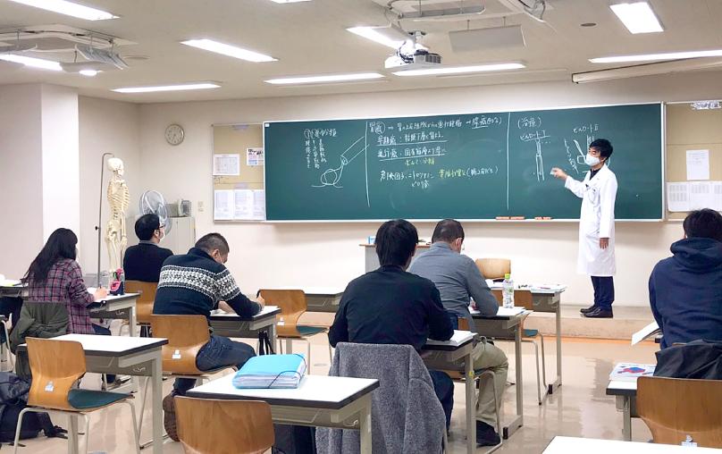 夜間授業見学会の様子