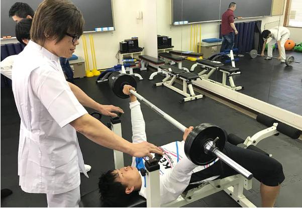 器具を利用した筋力トレーニング